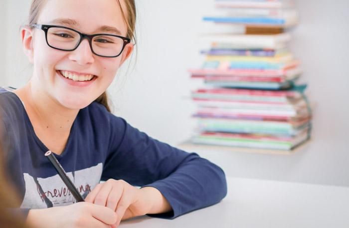 Kind beim Lernen in der Fieri Lernwerkstatt